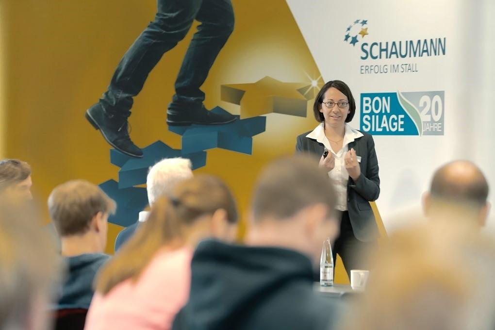 """""""Gut Hülsenberg aktuell – Vom Feld in den Tank"""" lautete das Thema von Dr. Martina Gorniak (Produktmanagement)."""